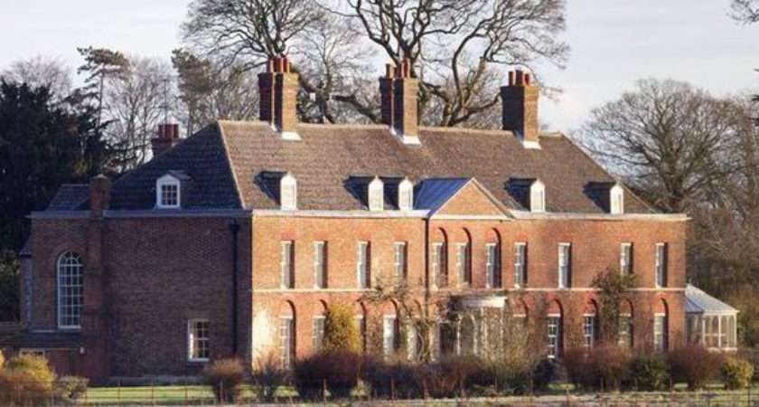 Anmer Hall Occupants Provide History Lesson