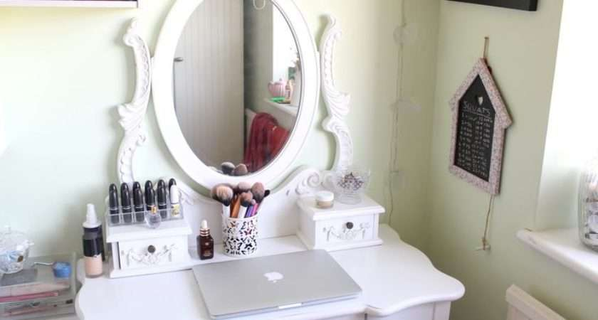 Attractive White Oval Mirror Unique Makeup Dressing Tables