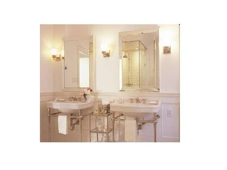 Bathroom Art Deco Theme