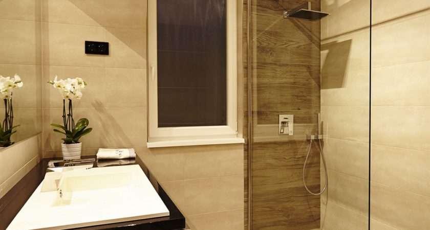 Bathroom Exquisite Beige Decoration