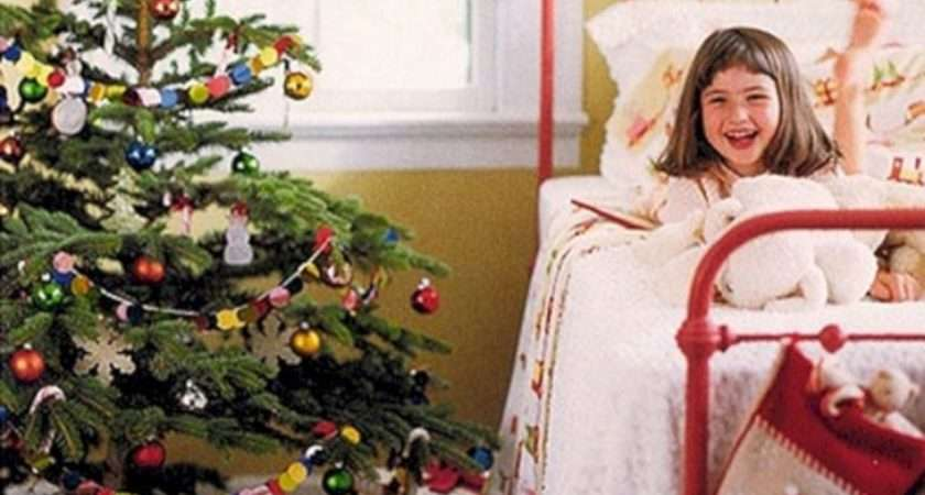 Beautiful Christmas Bedroom Decorations Ideas Decoredo