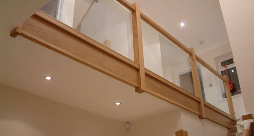 Beautiful Modern Staircase Glass Paneling