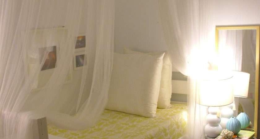 Beautiful Small Bedroom Decorating Idea