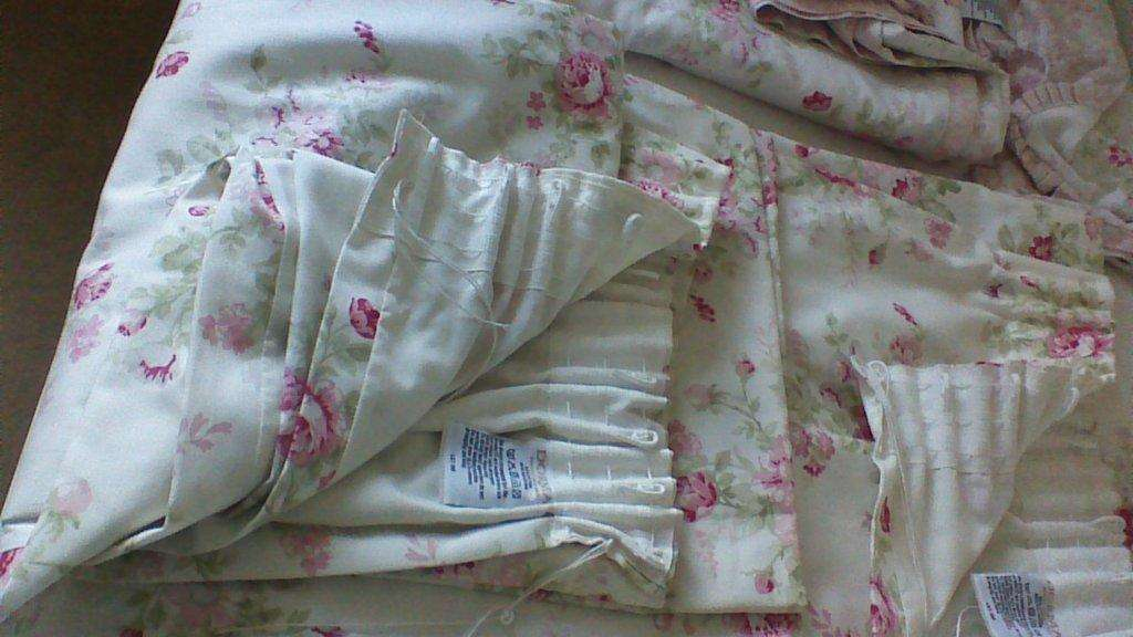 Bedding Pretty Floral Reversable Lined Curtains Dunelm