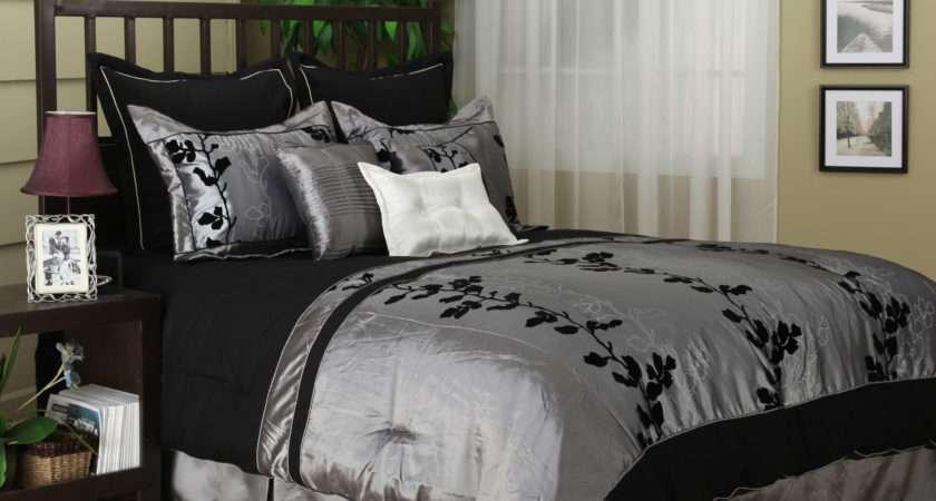 Bedroom Black Silver Walls Decor