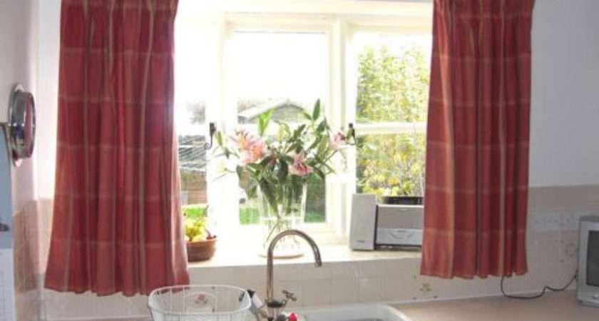 Best Way Picking Curtains Your Modern Kitchen