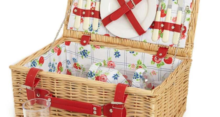 Blanketstitch Picnic Baskets Summer Here Hopefully