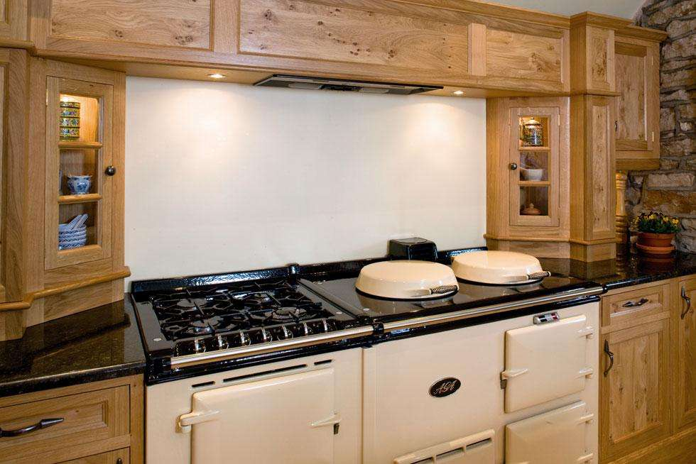 Case Study Farmhouse Burr Oak Kitchen Feature
