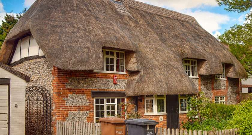 Century Thatched Cottage Charlton Andover