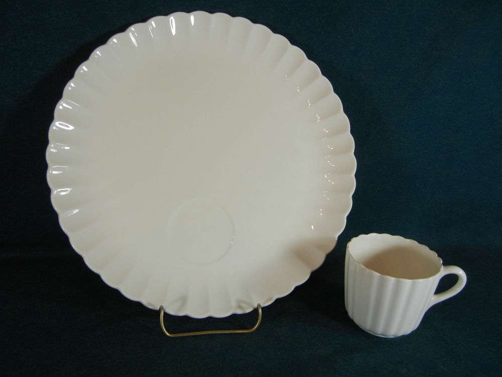 Chelsea Shape Unusual White Fluted Dinner Plate Cup Set Ebay