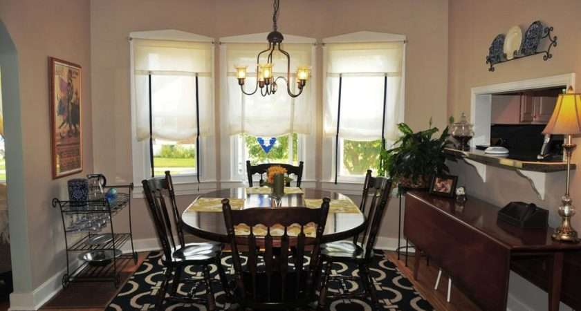 Choose Best Small Dining Room Decorating Ideas