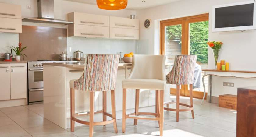 Choosing Perfect Breakfast Bar Chairs Your Kitchen