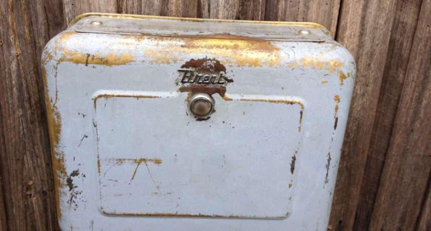 Classic Vintage Pale Blue Brent Toilet Cistern