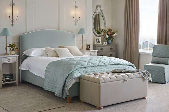 Classically Elegant Bedroom Design Ideas