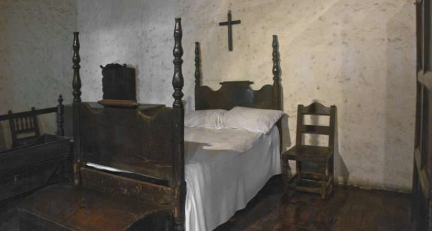 Colonial Bedroom Example House