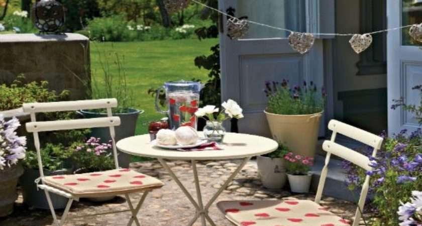 Colourful Courtyard Patio Ideas Housetohome