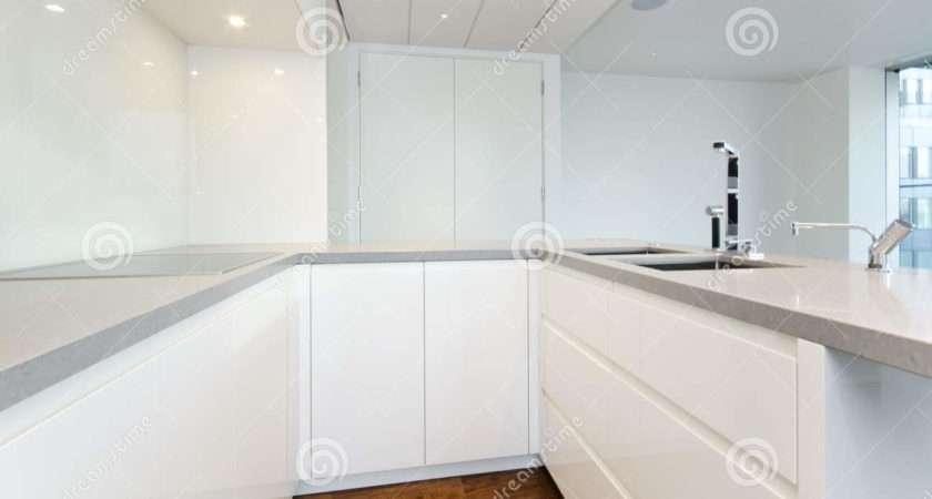Contemporary Kitchen Top Spec Appliances