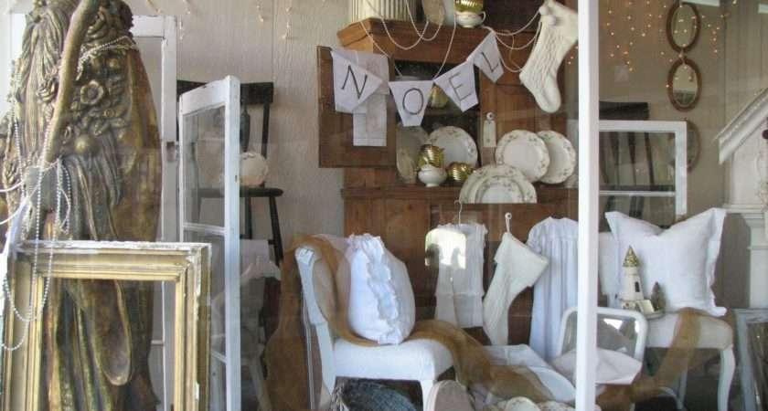Cordelia Cottage Christmas Decor