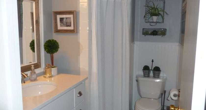 Cottage Style Decor Small Bathroom