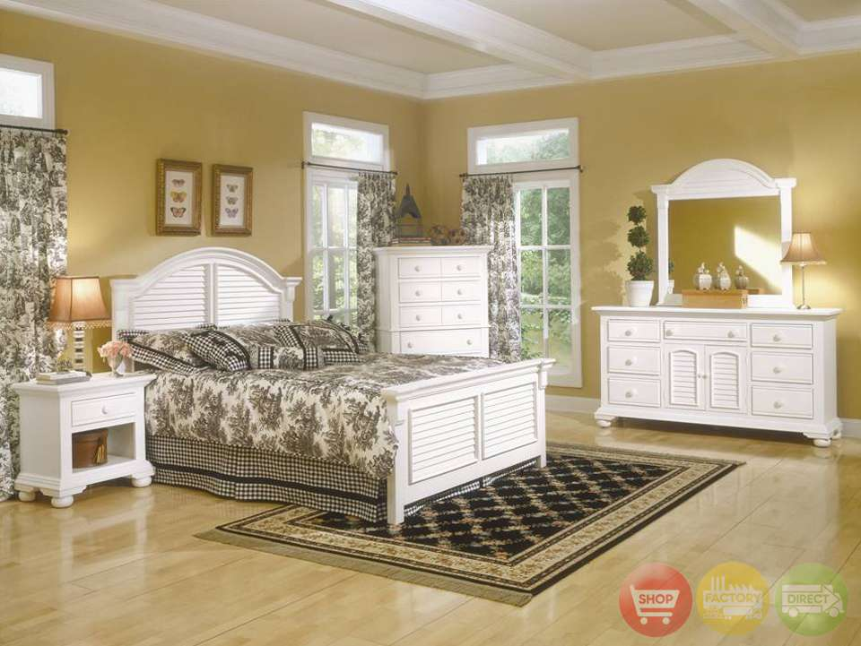 Cottage Traditions Distressed White Bedroom Furniture Set
