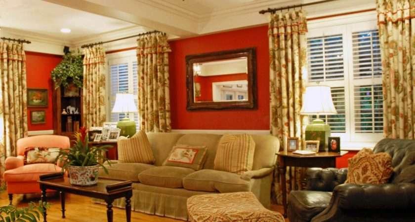 Cozy Traditional Room Bold Color Mixes