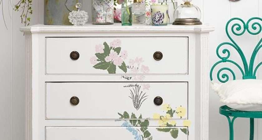 Create Flowery Furniture Vintage Bedrooms Delight