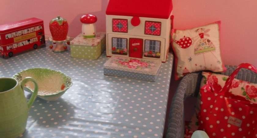 Cupcake Castles Spots More