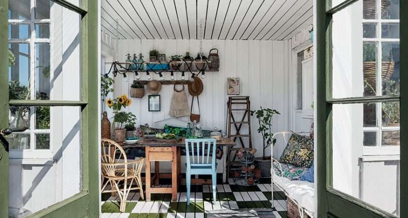 Dam Books Shed Decor Sally Coulthard