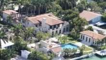 David Beckham Buy Matt Damon Florida Holiday