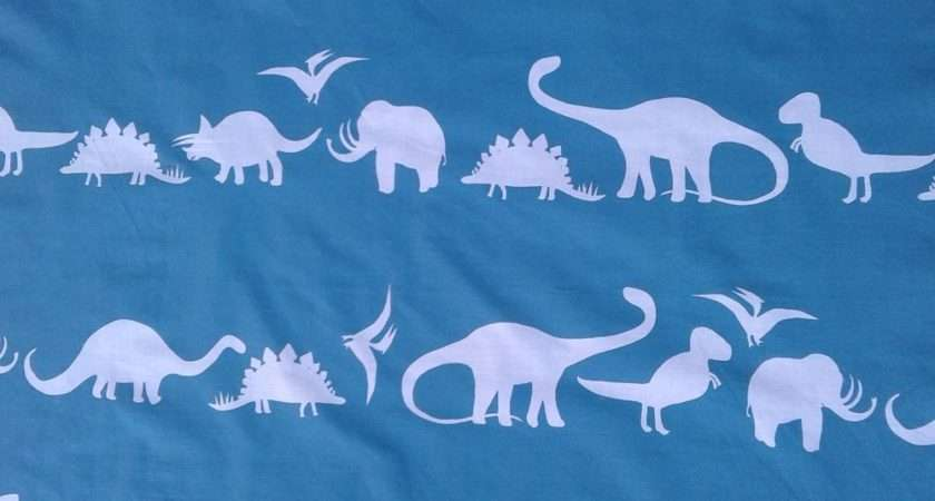 Debenhams Dinosaurs Craft Fabric Remnant Approx Large