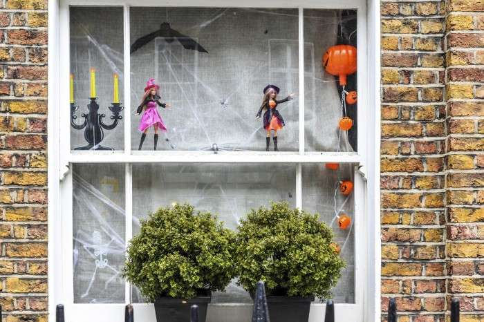 Decorate Your Windows Halloween Coral