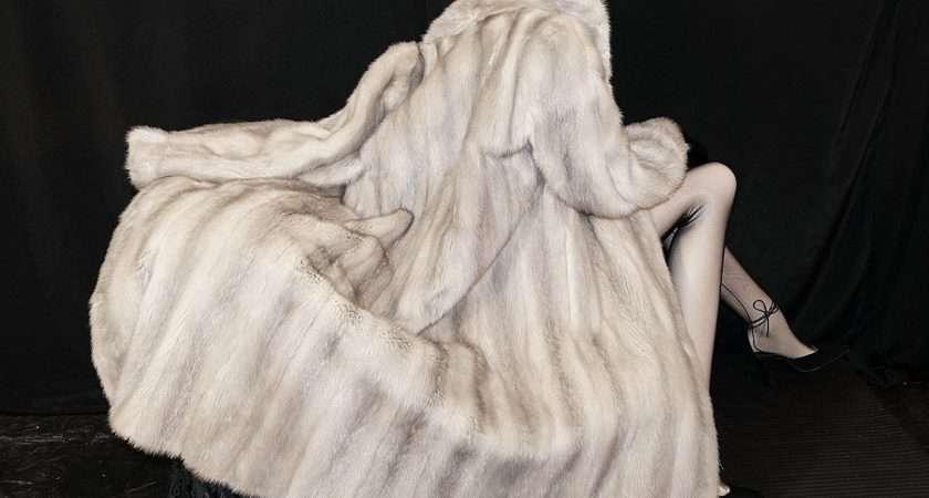 Details Beautiful Gray Silver Mink Fur Coat Jacket Sweep