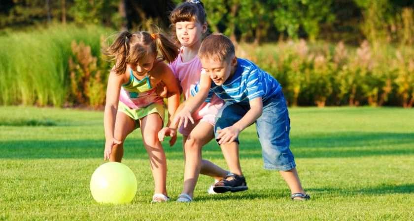 Displaying Kids Playing Together School
