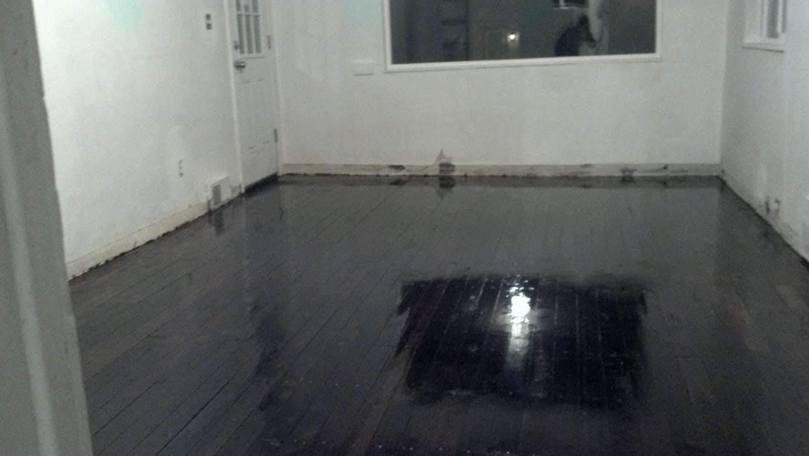 Displaying Rubber Floor Tiles Bathroom