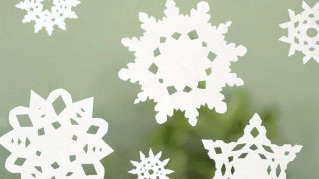 Diy Paper Snow Flakes Craft Pinterest