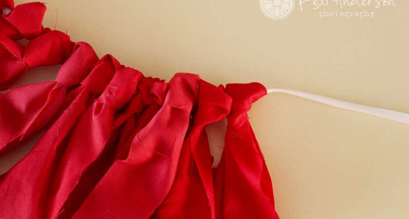 Diy Tutorial Fabric Strip Banner Bunting Confessions Prop