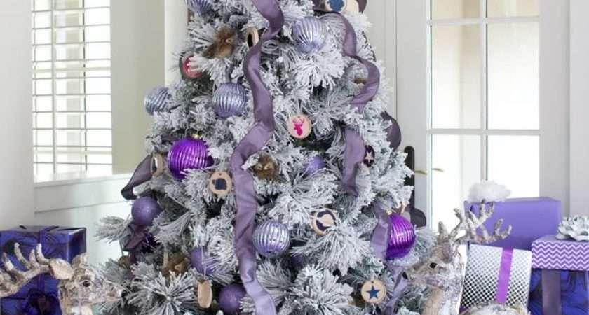 Dreamy Flocked Christmas Tree Decoration Ideas