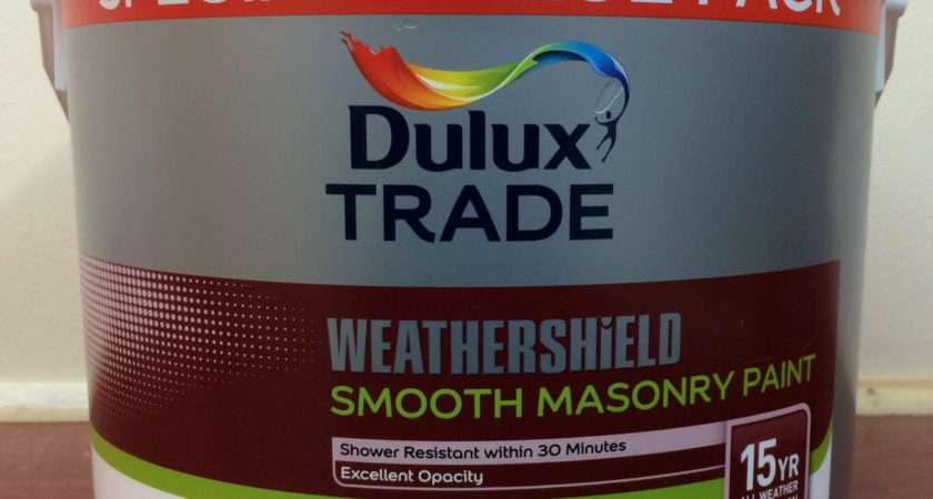 Dulux Trade Weathershield Smooth Masonry Paint