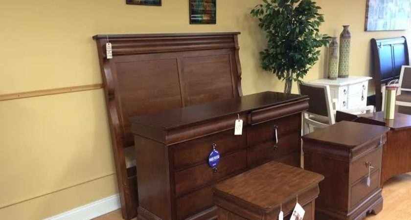 Durham United States Elegant Bedroom Set Hidden Storage