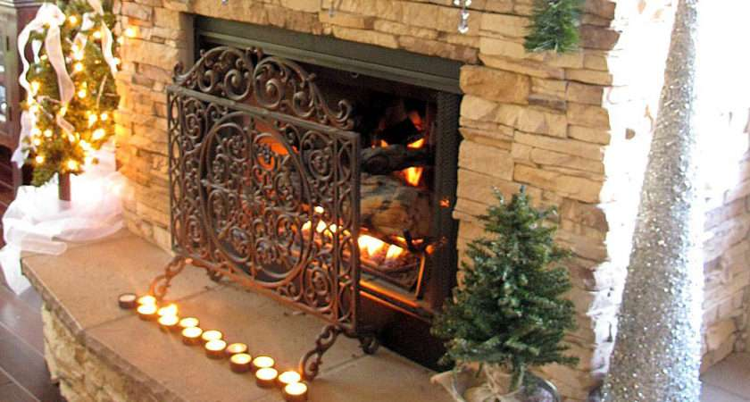 Engaging Holiday Mantel Decoration Ideas