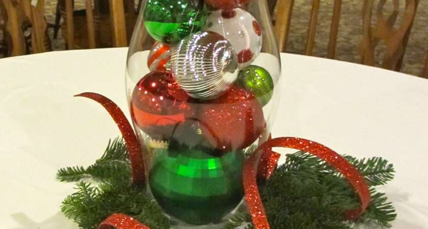 Exciting Christmas Table Arrangements Ideas Red