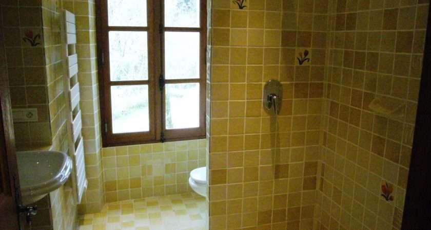 Floor There Bathroom Bath Washbasin
