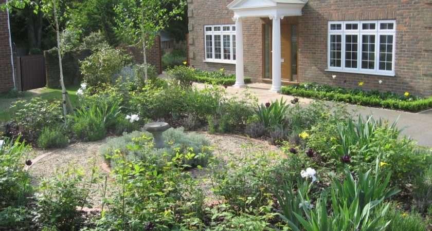 Formal Front Garden Accent Designs