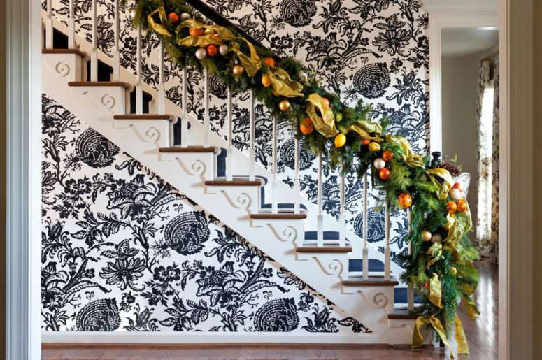 Frame Great Way Make Your Staircase Decor Look Rustic