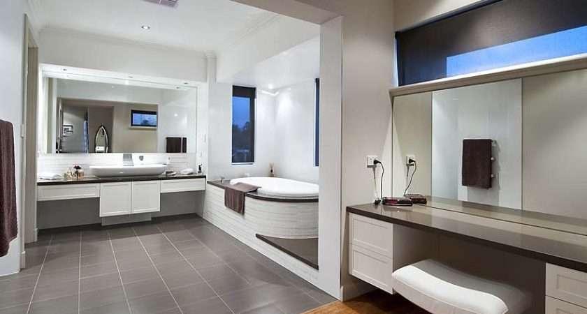French Provincial Bathroom Design Claw Foot Bath Using Granite