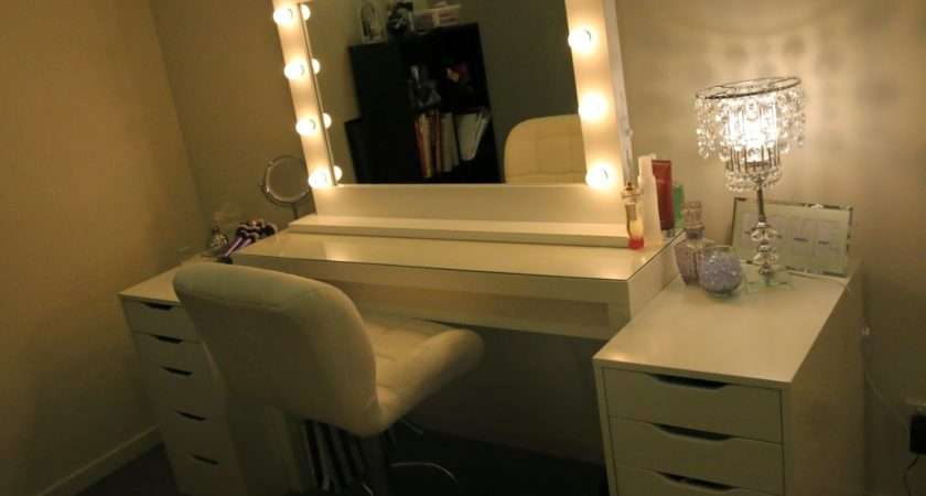 Furniture White Wooden Makeup Table Drawers Lighted Mirror