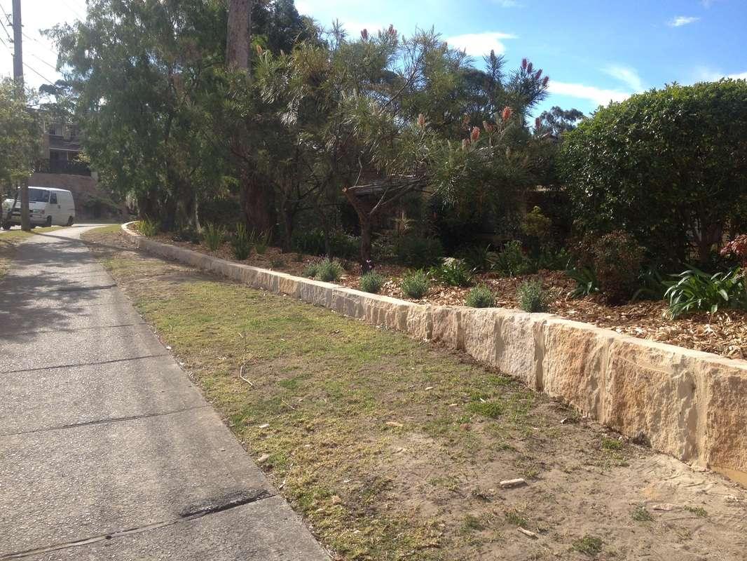 Garden Edging Using Sandstone Ballast Sydney Cutter
