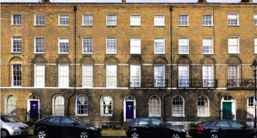 Georgian Terrace Town House Combining Exposed Brick