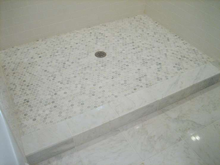 Gorgeous Shower Enclosure White Subway Tiled Walls Grecian