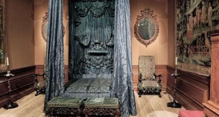 gothic bedroom design ideas dramatic bathroom designs - Goth Bedroom Decorating Ideas